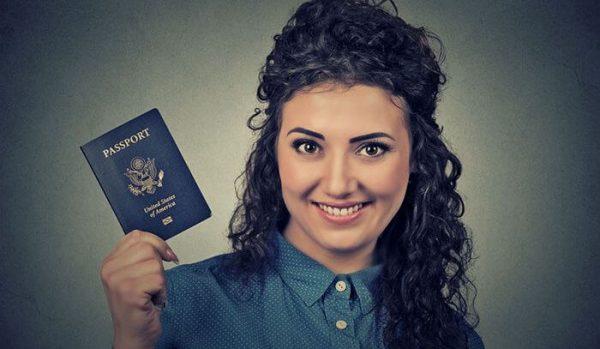 Quer morar ou estudar no exterior? Saiba como validar seu diploma fora do Brasil